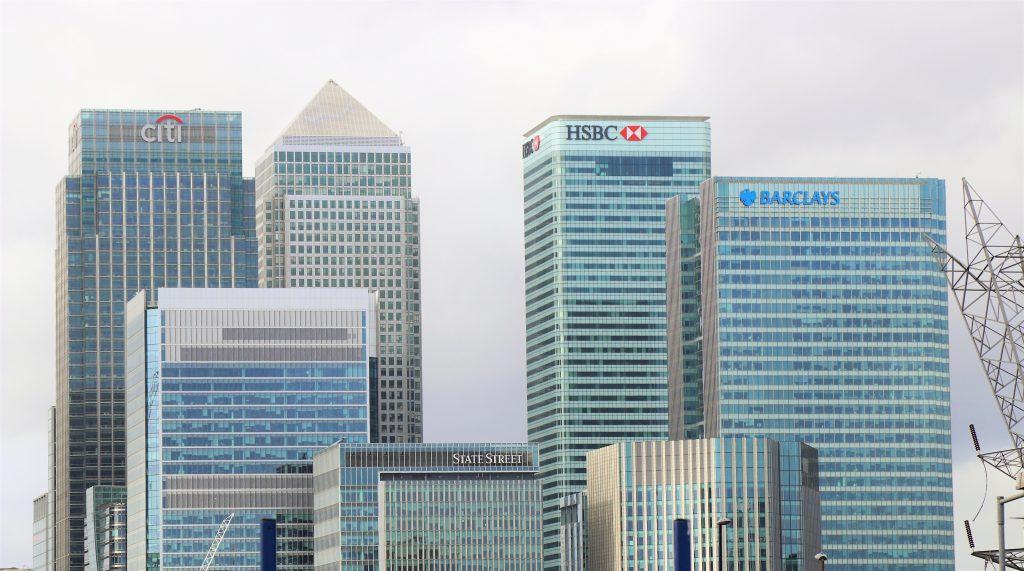Os bancos e instiuições bancárias sofrem muito com o risco reputacional.