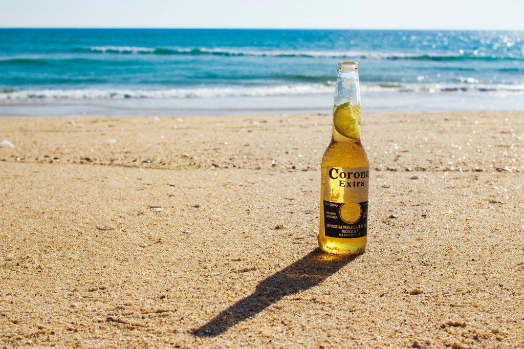 A Cerveja Corona foi seriamente afetada pelo risco reputacional.
